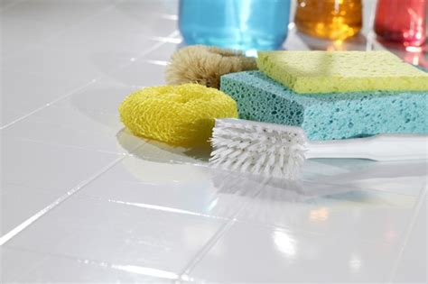 best cleaning products for bathroom tiles what are the best homemade tile cleaning products what do