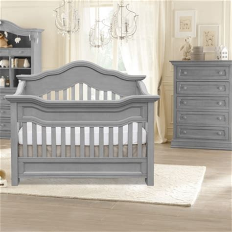 Davenport Convertible Crib Baby Appleseed Millbury 2 Nursery Set 3 In 1 Convertible Crib And Davenport 5 Drawer