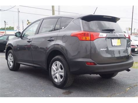 pictures of a toyota rav4 2015 toyota rav4 pictures cargurus