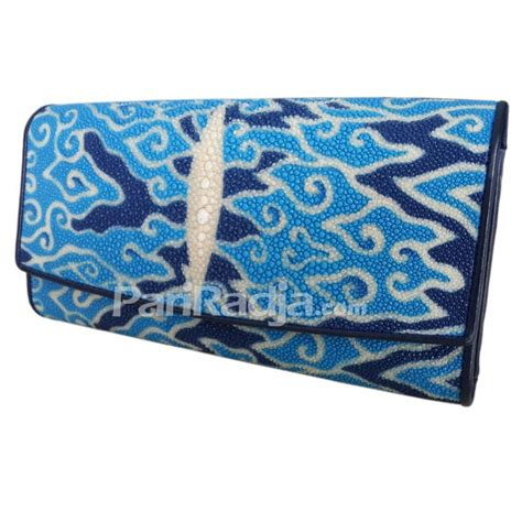Dompet Ikan Pari Asli Motif Tetes Hitam dompet wanita kulit pari lipat 3 motif megamendung kerajinan kulit ikan pari