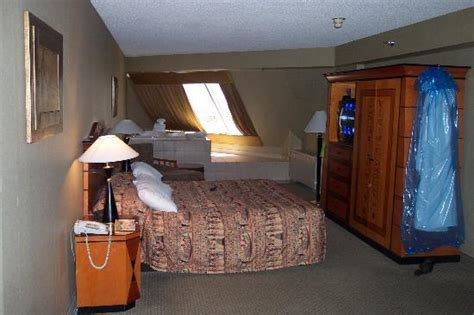 Luxor Rooms by 301 Moved Permanently