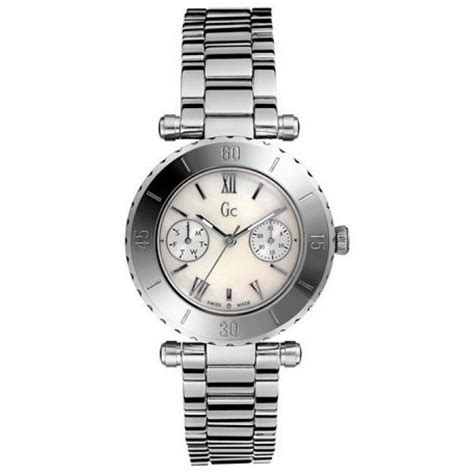 N Gc Guess Collection montre gc guess collection diver chic i20027l1s femme