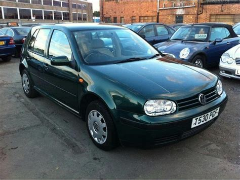 green volkswagen golf used green volkswagen golf 2003 petrol 1 6 s 5dr auto