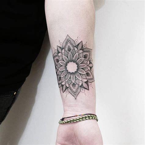 tattoo mandala qual significado 70 tatuagens de mandala criativas s 243 as mais lindas