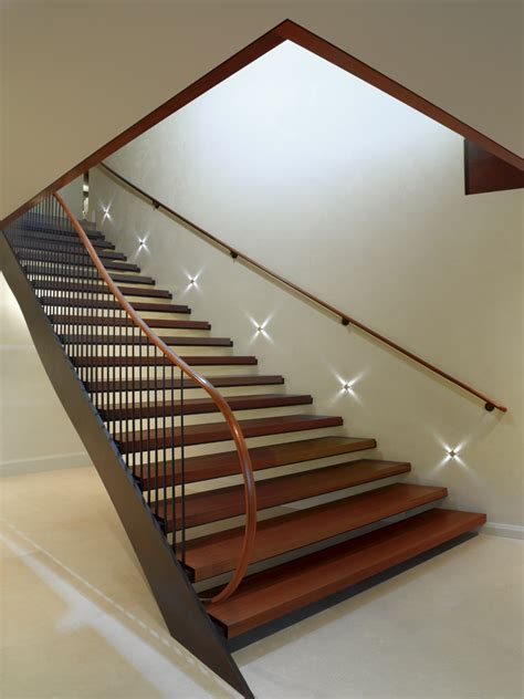 Lights For Stair Banisters by Stairwell Lighting With Accent Lighting