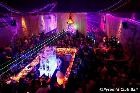 nightlife  kuta  places    night