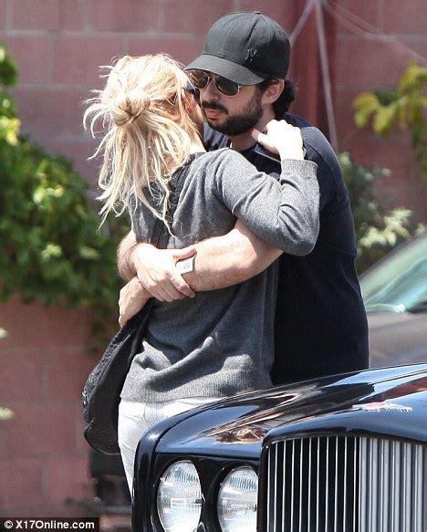 Aguilera Bratman To Host New Years by Aguilera Splits From Husband Bratman