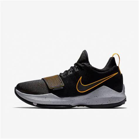 Sepatu Nike Pg 1 jual sepatu basket nike pg 1 black gold