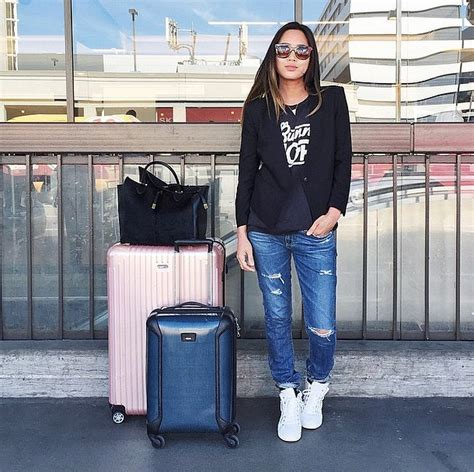 Stylish Travel Wardrobe by 25 Stylish Travel For Winter 2016 17 Fashion Craze