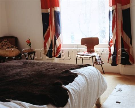 Union Jack Bedroom Curtains | vw035 08 bedroom with union jack curtains narratives