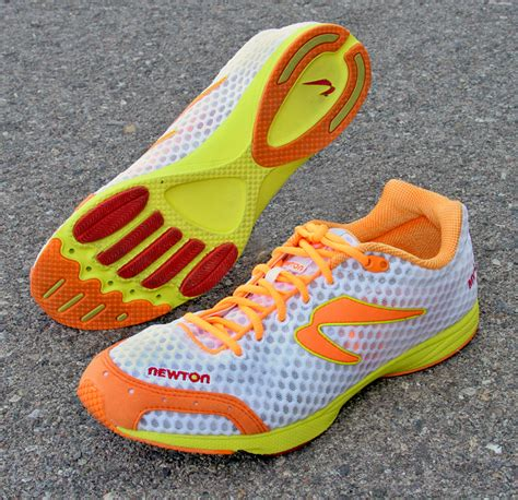 zero lift running shoes light low and fast newton mv2 trisports