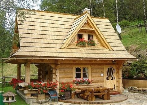 Tiny Cottage by Tiny Log Cabin Super Cute On The Inside 171 Country Living