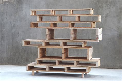 Leaning Desk And Bookcase Make Your Own Furniture Using Pallets