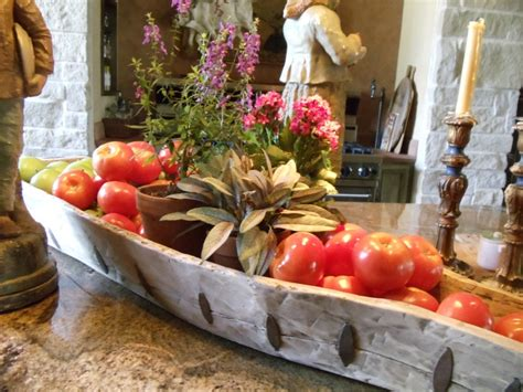 kitchen island centerpieces