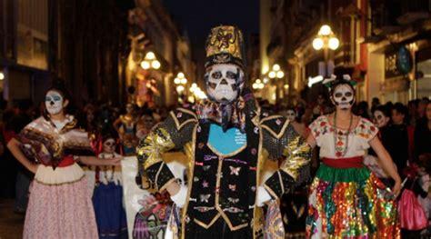 asi se puso el desfile de catrinas y catrines leyendasdevictoria catrinas y trumps destacan en desfile de halloween en