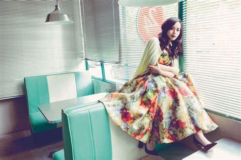Dress Cokelat Kuning 10 inspirasi gaya gita gutawa dari gaya casual nan