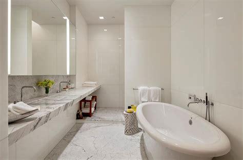 badkamertegels marmer marmer in de badkamer tips en inspiratie