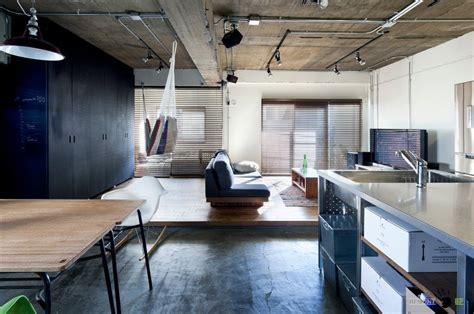 japanese style studio apartment interiors note the use of молодежная квартира студия оформленная в стиле лофт