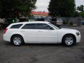 White Dodge Magnum Ride Auto 2006 Dodge Magnum White 8995