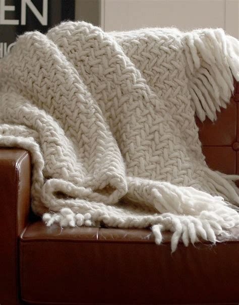 Square Basic Sally Scarf Dusty koselig blanket knitting kit wool and the