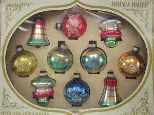 christmas ornaments 1950s shiny brite boxed set of ten glass