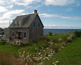 island cottage by the sea a photo from maine northeast