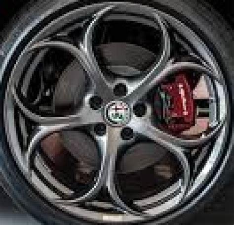 alfa romeo giulia wheel bolt pattern alfa romeo giulia 58165g oem wheel 6eb13u5gaa oem original alloy wheel