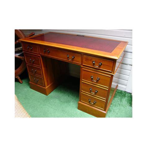 petit bureau bois yew pedestal desk