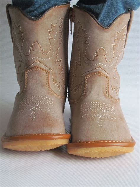 toddler cowboy boots size 7 toddler boots squeaky boots light brown cowboy