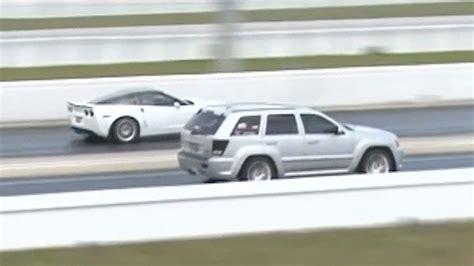 Jeep Vs Corvette by Corvette Zr1 Vs Jeep Srt Drag Racing 1 4 Mile