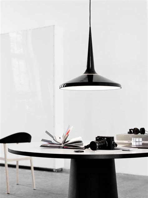 modern light for the dining table with seamless design