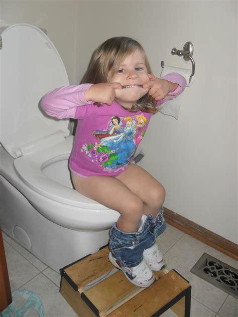 potty training girls open legs little girl potty training open hot girls wallpaper