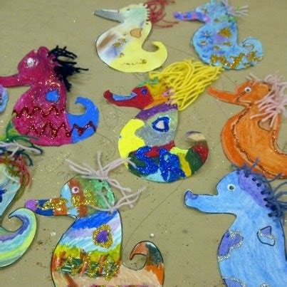 How To Make A Seahorse Out Of A Paper Plate - 25 best ideas about seahorse crafts on