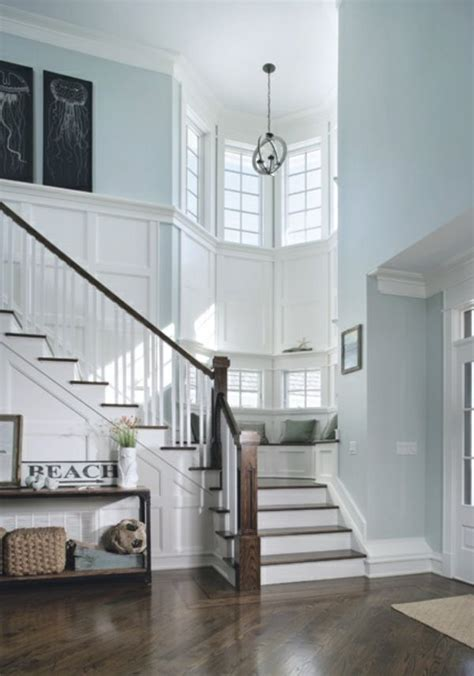 Wainscoting On Stairs by Best 25 Wainscoting Stairs Ideas On Stairway