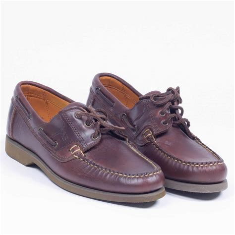 best shoes for boat r how to wear boat shoes for any occasion and with any outfit