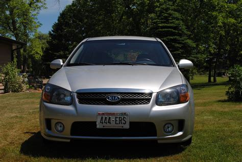 kia spectra 5 reviews 2008 kia spectra5 review 28 images car and driver