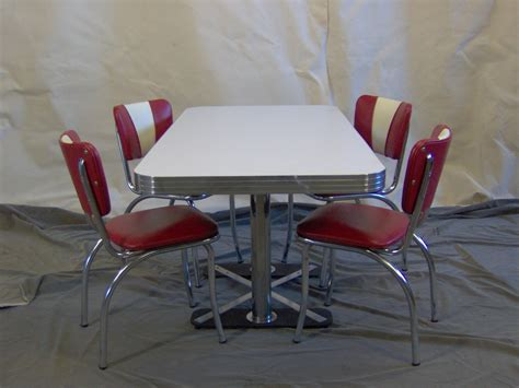 Diner Table And Chairs 50 s and rock n roll