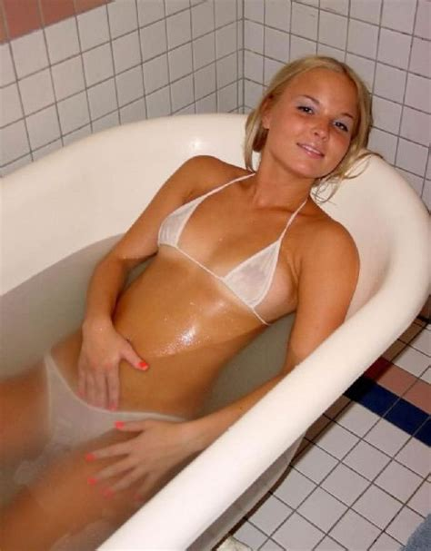 girl in the bathtub hot tub girls bing images