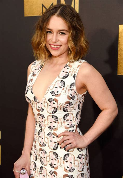 game of thrones pubic hair of thrones pubic hair emilia clarke so gorgeous with any