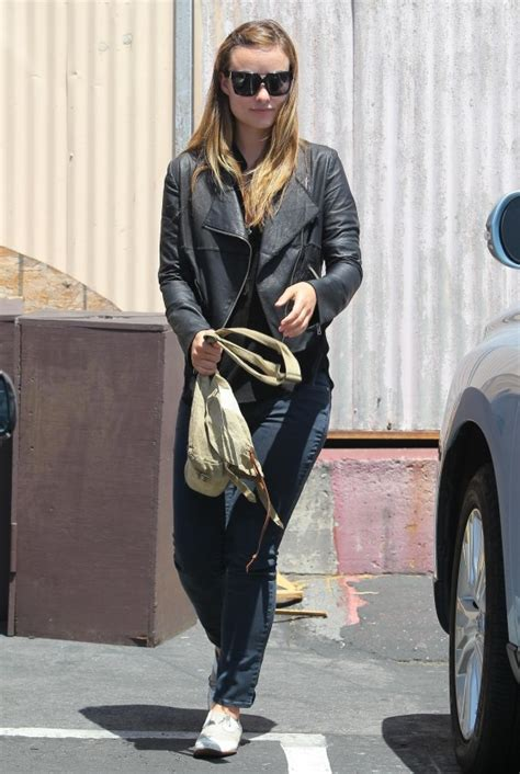 hollywood celebrities june 2011 olivia wilde out for lunch in hollywood june 2011 gotceleb