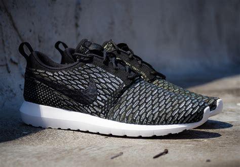 Sepatu Nike Roshe Run Flayknit nike flyknit roshe run sequoia all you need and more
