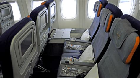 Lufthansa 747 Interior by Boeing S New 747 8 Intercontinental Same Same But