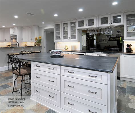 Shaker Style Kitchen Cabinets White Pearl White Shaker Style Kitchen Cabinets Omega