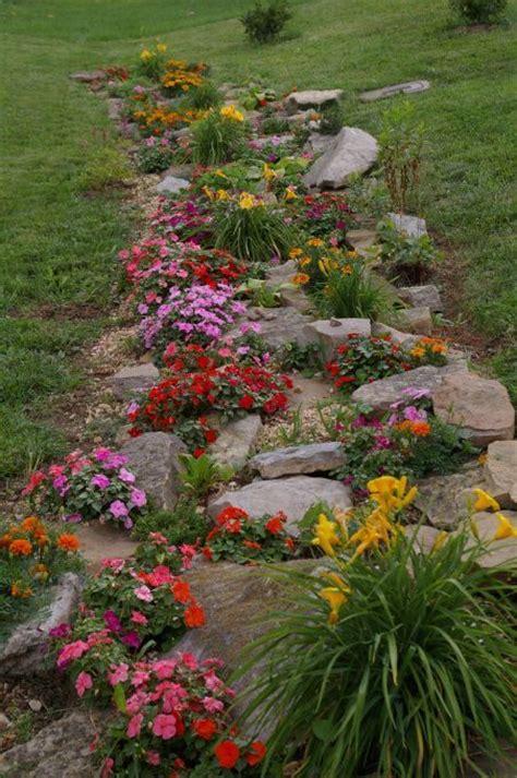 realizzare un giardino realizzare un giardino roccioso 20 esempi bellissimi