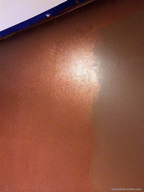 Wandfarbe Metallic Kupfer by A Shimmery Metallic Copper Wall With Modern Masters