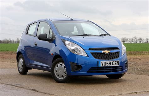 chevrolet spark hatchback review 2010 2015 parkers
