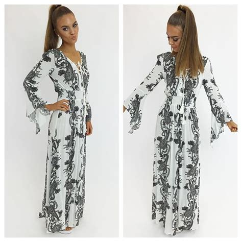 Get The Look Black White Floral Dresses For 100 by Dress Maxi Dress Floral Floral Maxi Dress White Floral