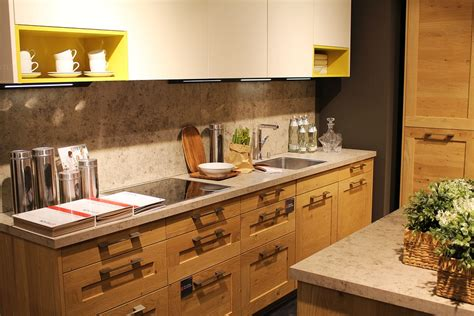 Cleaning Kitchen Countertops by Kitchen Cleaning