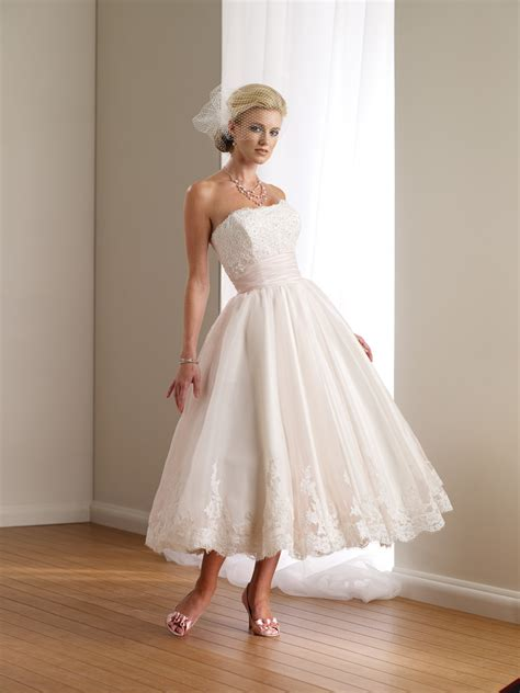 casual wedding dresses dressed up