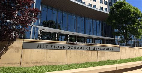 Mit Sloan School Of Business Mba by Top 20 Business Schools That Produce The Highest Paid Mba